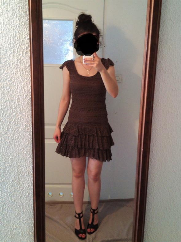 bdd2abd3 Brązowa sukienka New Yorker S koronkowa z falbanka w Suknie i ...