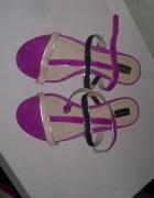 Śliczne sandały zara