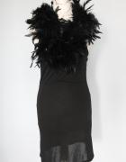 Francuska sukienka z boa