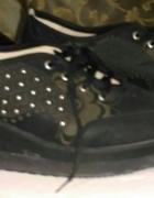 Sportowe buty na koturnie...