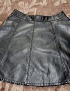 spodniczka czarna rozkloszowana h&m skayka 38