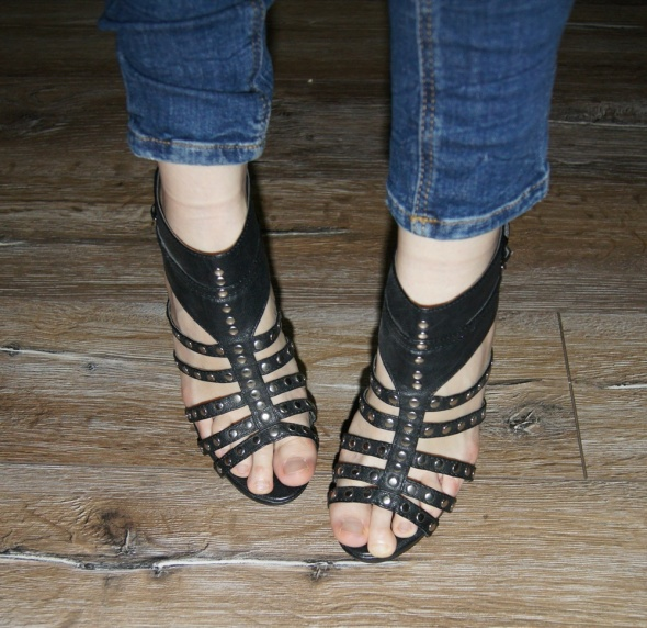 Gladiatorki czarne sandały nity ćwieki obcas