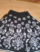 Świetna kwiecista spódnica