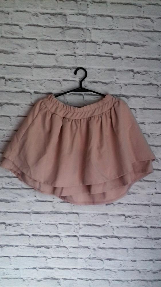 rozkloszowana spódnica falbanki