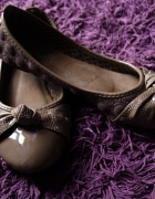 baleriny lakierki beżowe brązowe