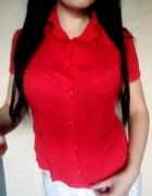 czerwona koszula na co dzień...