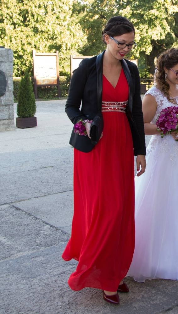 305020350c36cd Piękna czerwona sukienka na studniówkę lub wesele w Suknie i ...