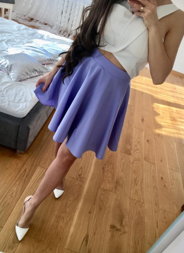 lawendowa spódniczka z koła rozkloszowana lilia