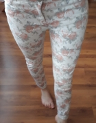 spodnie w kwatki