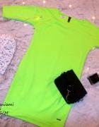 Neonowa sukienka z kieszeniami