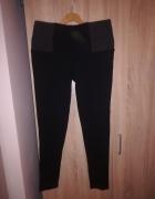 Spodnie z elastycznego materialu