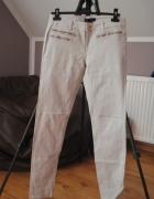 jasne spodnie amisu