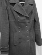 Ciepły płaszcz damski