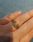Stary pierścionek kwiatuszki