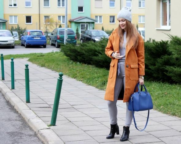 Blogerek Rudy płaszcz & szary zestaw