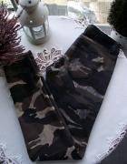 Modne woskowane spodnie moro skinny w militarnym stylu Amisu 36 S