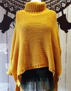 Miodowy sweter ponczo z golfem