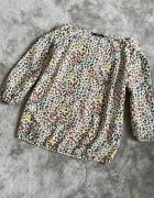 kolorowa bluzka odkryte ramiona wyciecia