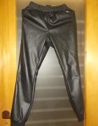 Spodnie dresowe skóropodobne