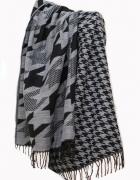 Ciepła damska chusta czarny szal w pepitkę na zimę