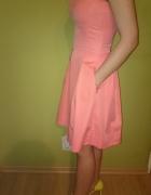 Śliczna sukienka kieszonkami