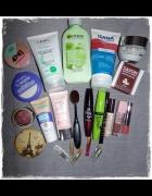 Zestaw kosmetyków do makijażu pielęgnacja próbki perfum...