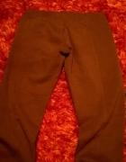 brązowe elastyczne spodnie rurki