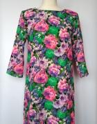 Trapezowa sukienka do kolan w kwiaty River Island