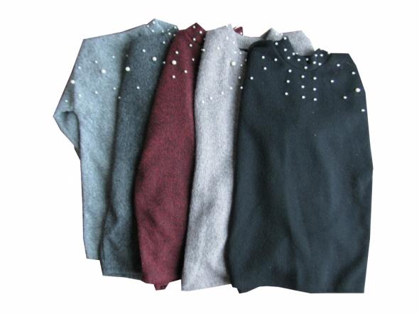 Swetry Hit sweter z perłami