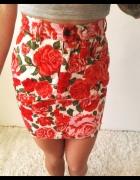 spódniczka mini retro pinup róże dopasowana XS S moschino jeans czerwona