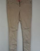Spodnie nude BERSHKA 38