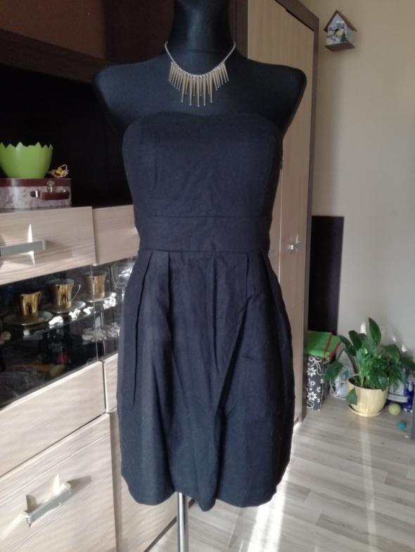 Suknie i sukienki Mała czarna Vila
