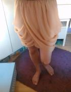 Beżowa spódniczka na gumce...