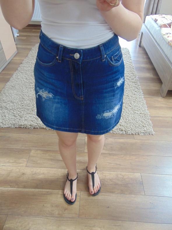 Spódnice Stradivarius 34 XS spódniczka jeansowa dziury