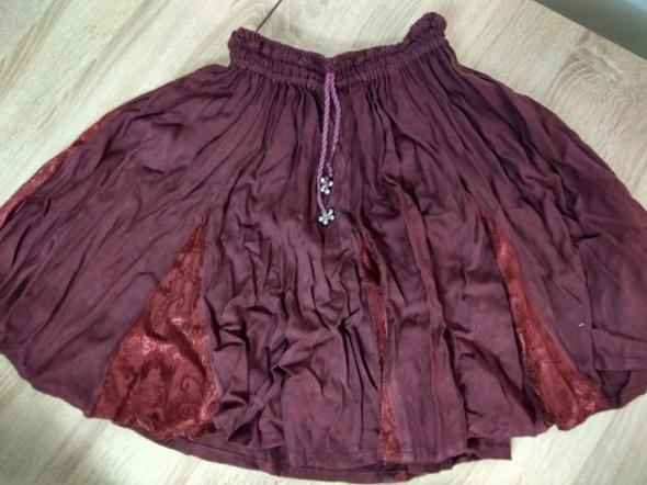Spódnice Rozkloszowana bordowa spódniczka rozmiar S