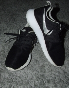 Oryginalne Czarne Nike Roshe 38