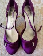 fioletowe buciki na obcasie...