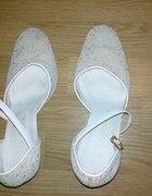 Śliczne Mieniące sie buty ślubne w koralikach