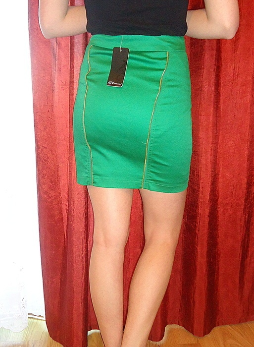 Spódnice zielona ołówkowa spódniczka z zamkami S Attentif