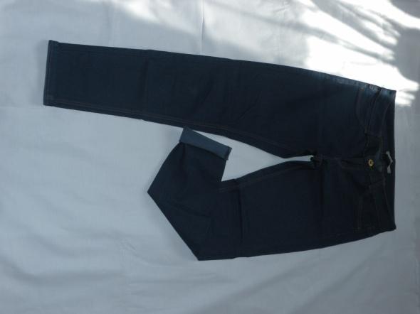 Spodnie Spodnie rurki niebieski jeans pull&bear 38