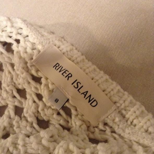 River Island ciepły zimowy sweter...