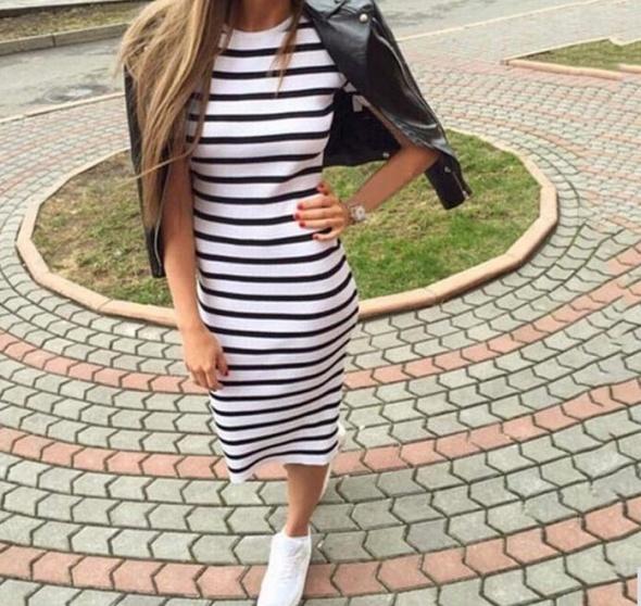 Okazja ładna sukienka w paski na lato M