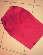 Czerwona spódnica...