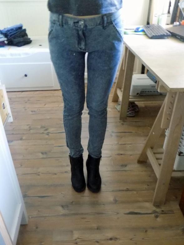 Spodnie M L cienki dżins marmurkowe dopasowane...