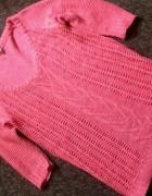 neonowy sweterek bershka