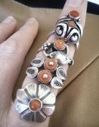 Stare srebrne pierścionki z koralem warmet imago