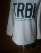bluza house L biała z czarnym napisem TRBL