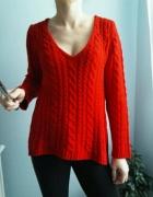 Sweter czerwony dekold serek Zara rozm S
