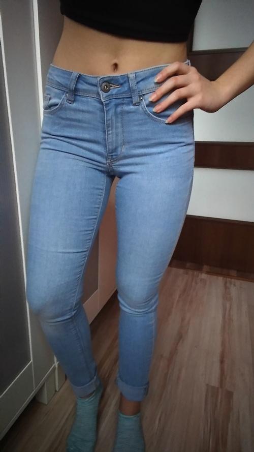 Jasne jeansy rurki hm