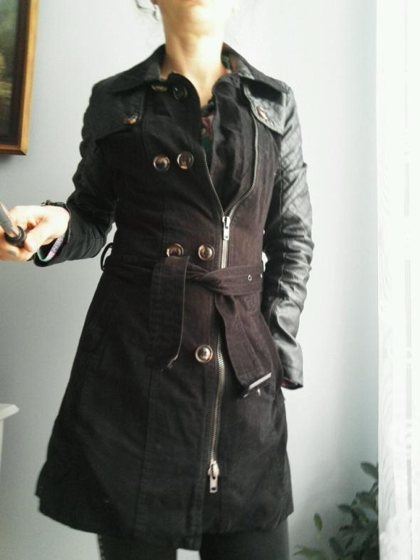 Odzież wierzchnia płaszcz czarny trecz rozm Xs
